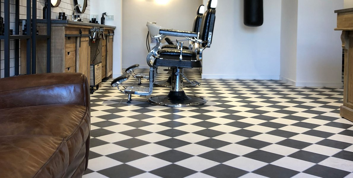 Brown Hair Experience, modny barbershop w Tarencie